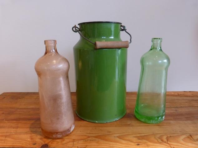 Colorglass bottles - enamel pot